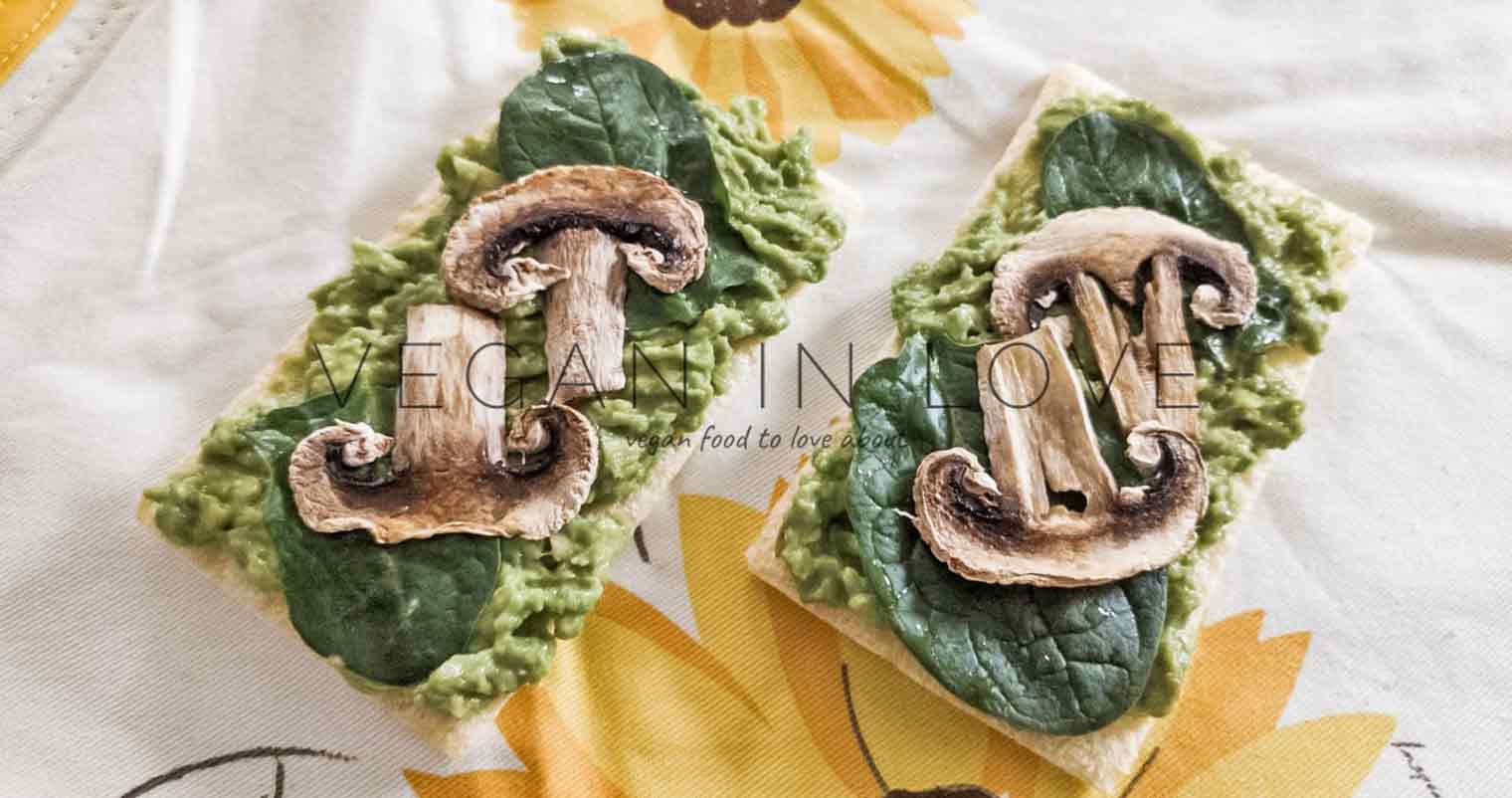 Avocado, spinach and mushroom