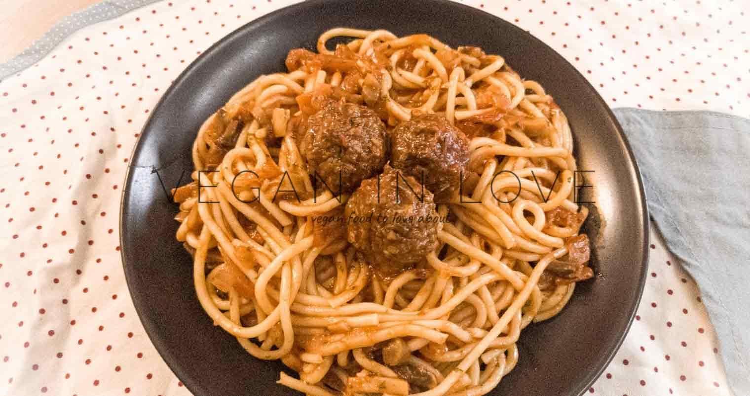 Spaghetti & vegan meatballs